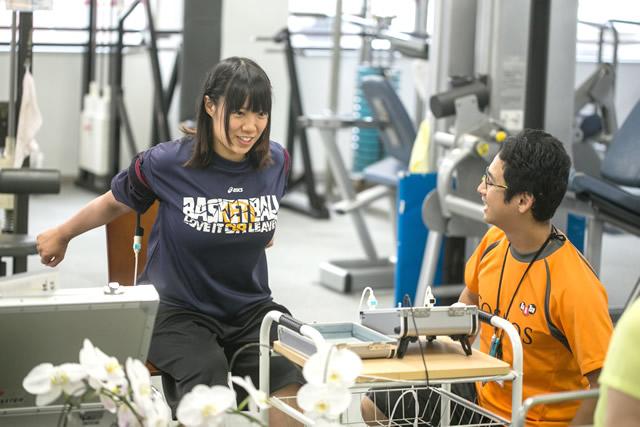 4. トレーニング前の準備運動のキックバック