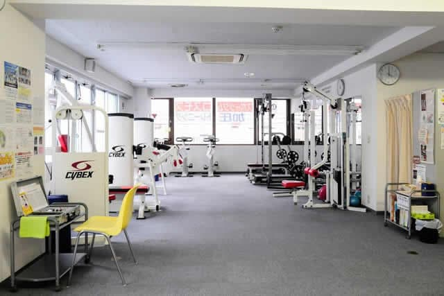 町田駅から徒歩4分!すごく静かで、人目を気にすることなく、トレーニングに集中できます!加圧トレーニング導入20年、本物の加圧トレーニングとマンツーマントレーニングの良さが実感できるジムです!