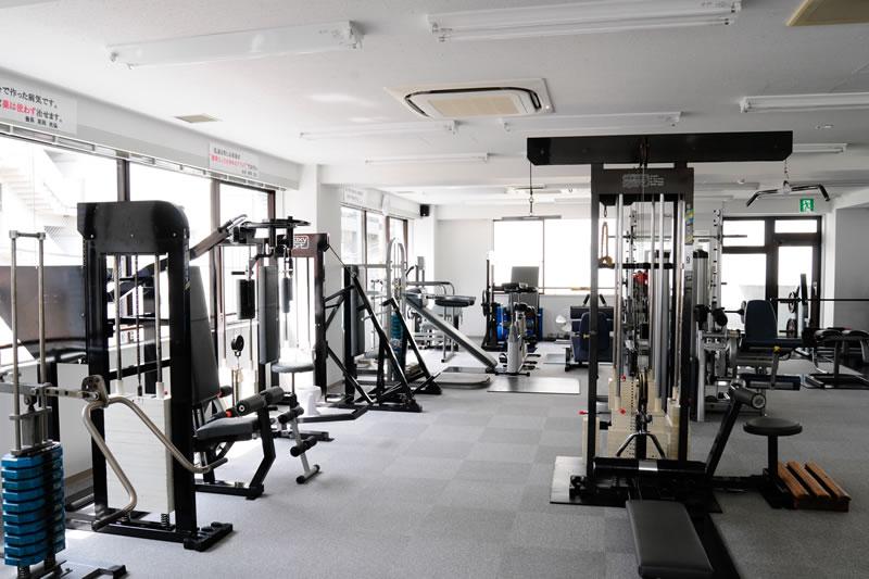 1997年加圧トレーニング導入開始以降、加圧界頂点のキャリアと実績を誇ります。加圧トレーニングの老舗といえばコスモス溝の口本店